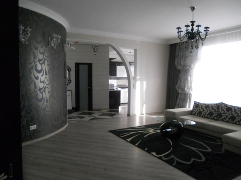 "For rent: apartment on ""Coliseum Palace"""