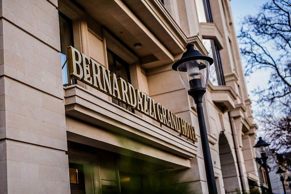 Аренда: Квартира в жилом доме BERNARDAZZI GRAND HOTEL
