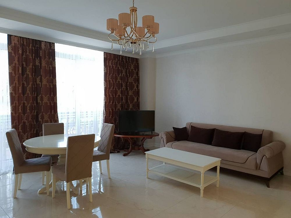 For rent: 3 bedroom apartment in a comfort class house. 119 sq.m