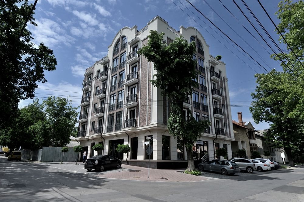 For rent: 3 bedroom apartment in a comfort class house. 112 sq.m
