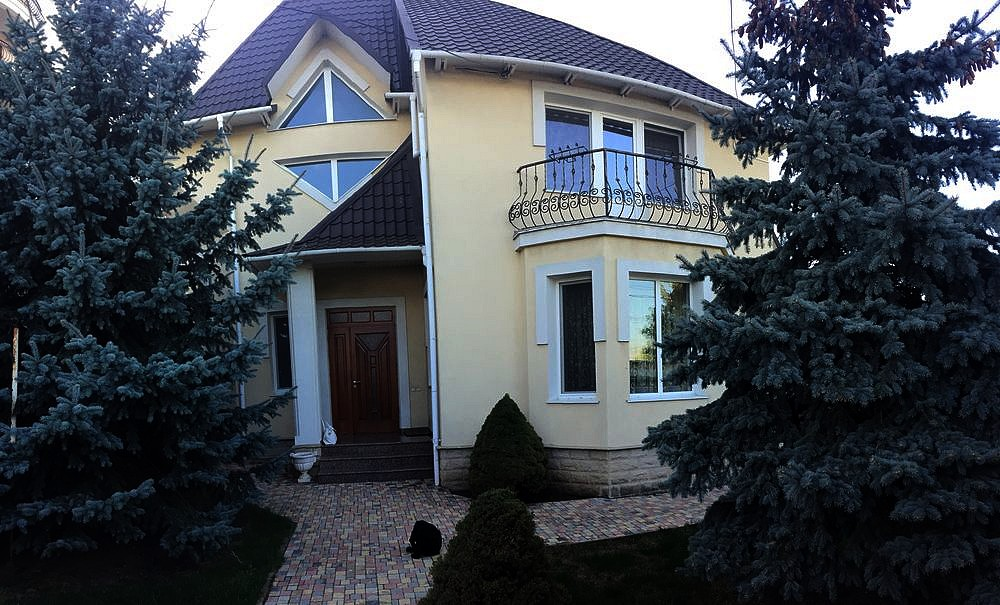 For sale: Private luxury house in Moldova.